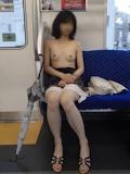 電車・駅 野外露出ヌード画像 12