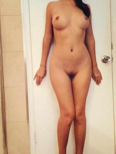 美乳アジア系女性 自分撮りヌード画像 5