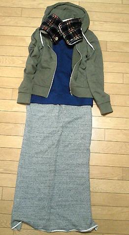 スエットTシャツ&スカートは私の大掃除の定番です