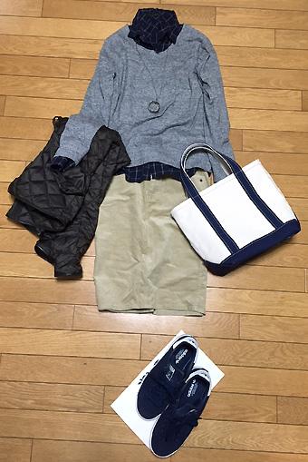スエット&ネルシャツの休日ラフカジュアル