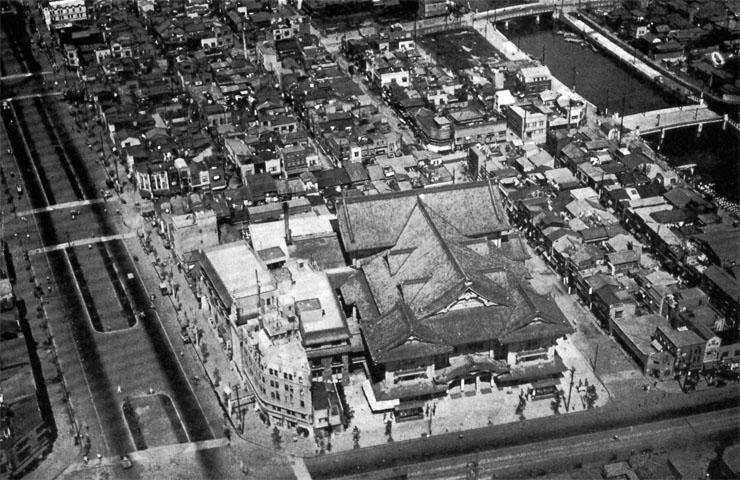 歌舞伎座と昭和通り1933jul