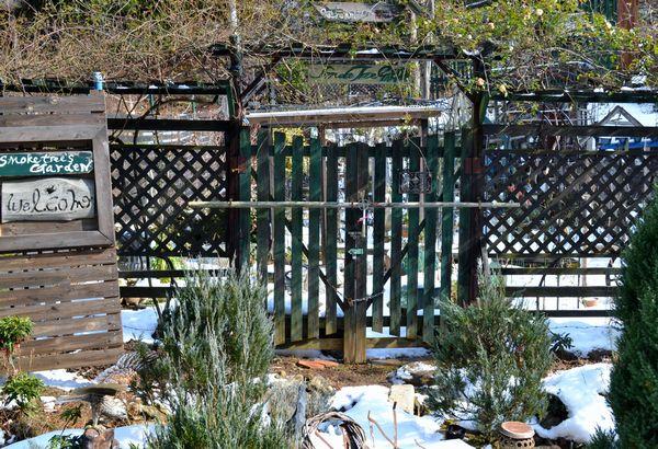 1,3雪の庭ー1