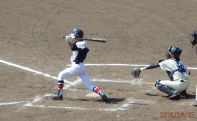 P32518623回裏桜木1死二、三塁から2番が三遊間打を放ち1点先制