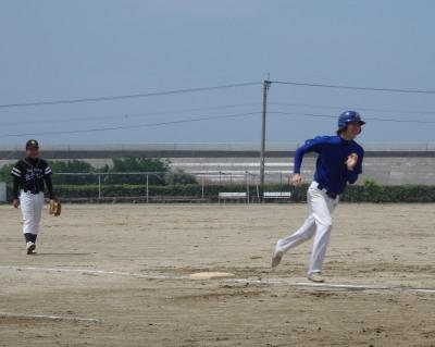 P5173047続く4番宮田も左越え本塁打