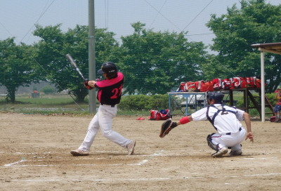 P51731063回表2死二塁から6番中村が左越え二塁打を放ち、この回2点目