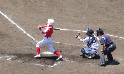P5213181佐賀2回表奥の三塁線二塁打で1点かえす