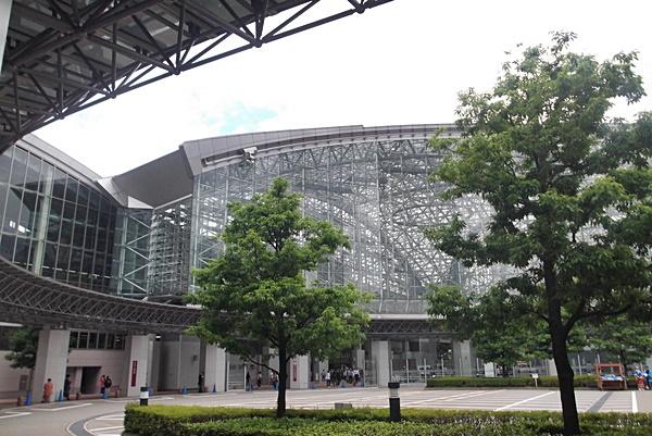 バラ園と金沢-079