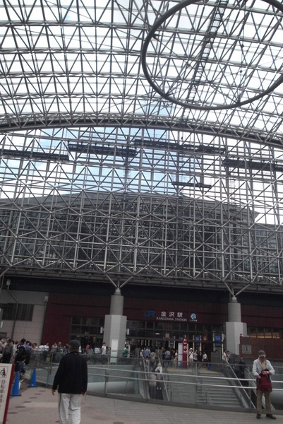 バラ園と金沢-091