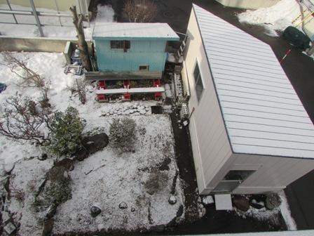 物置の屋根も