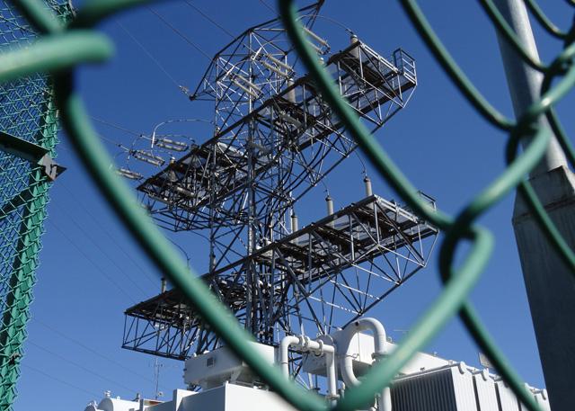 膝折変電所の鉄塔