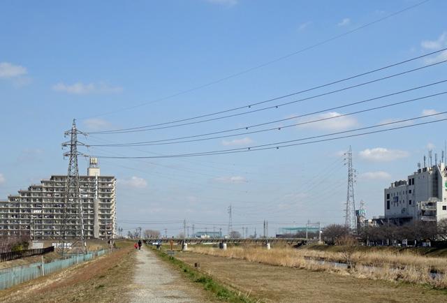 富士見線11~13号鉄塔を望む