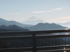 清里大橋から富士山