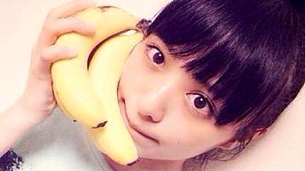 バナナで霊と交信する霧子さん