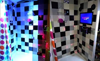 Karaoke_Shower