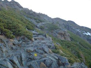 s04岩の道