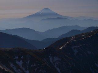 s05塩見岳山頂にて2