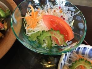 美ら海 ゴーヤチャンプル定食 サラダアップ