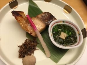 れんげ草 焼き魚