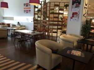MOA cafe 店内3