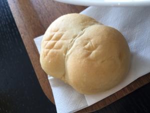 MOA cafe パン
