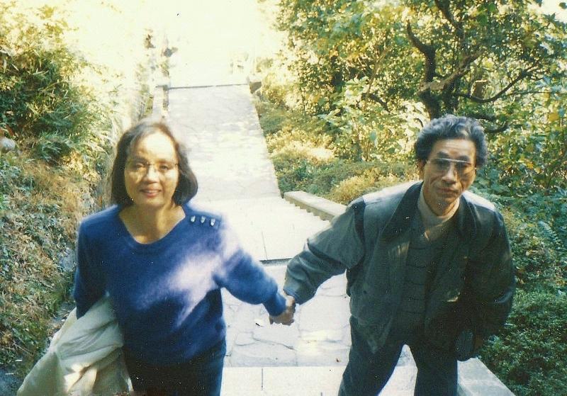 パパ&ママ - コピー (800x559)