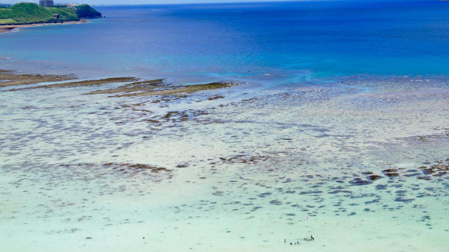 干潮のタモンビーチ
