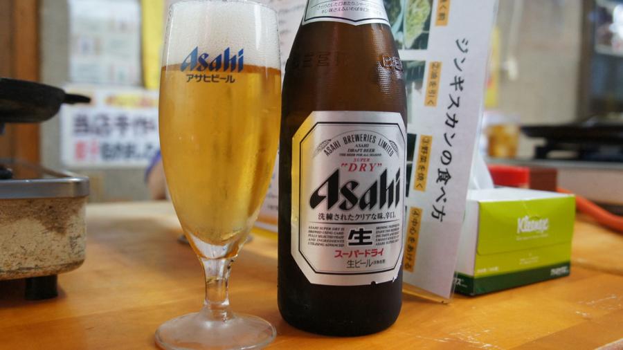まずは何よりもビール。アサヒスーパードライ。