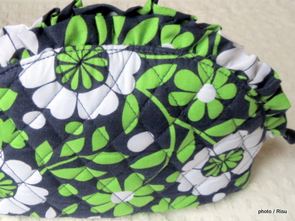ヴェラ・ブラッドリー Vera Bradley「Large Ruffle Cosmetic / Lucky You」