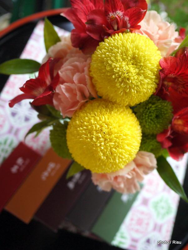和室に合うフラワーアレンジメント-日比谷花壇
