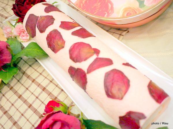 花咲くローズマカロ-日比谷花壇フラワースイーツ