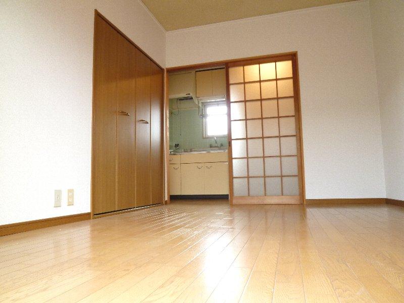 パール釜堀第二ビル 203 洋室