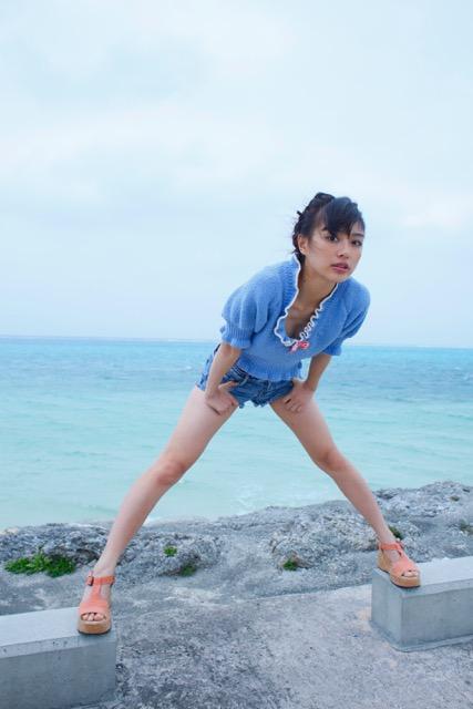 「仮面ライダードライブ」ヒロインの下着姿にドキ!内田理央(23)が写真集「Magical」を発売6