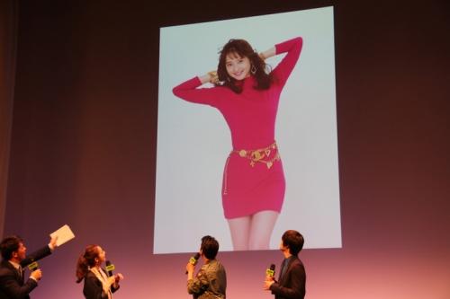 佐々木希が80年代のボディコン姿を披露 ドラマ「THE LAST COP/ラストコップ」の完成披露試写会で唐沢寿明が絶賛1