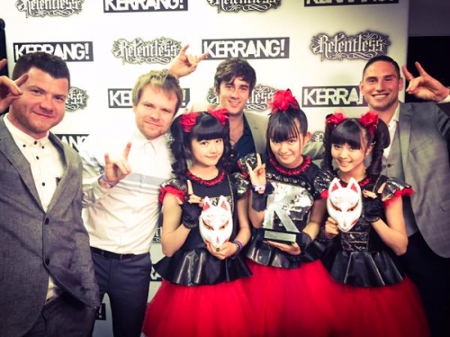 BABYMETAL、英国音楽誌「KERRANG!」主催の「KERRANG! AWARDS 2015」で日本人初受賞4