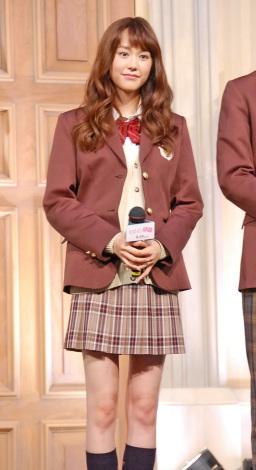 桐谷美玲、制服姿は「ギリギリアウトな感じだった」と苦笑1