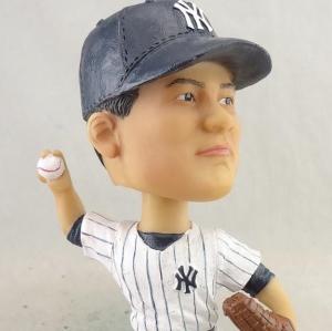 似ていない? ヤンキース公式ツイッター、田中将大のバブルヘッド人形の写真を公開