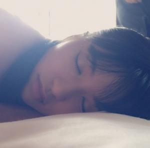板野友美が小島瑠璃子のプライベート寝顔写真をインスタグラムで公開 可愛いすぎると話題に