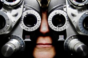 eyeglasses-679696_640_convert_20150403232227.jpg