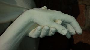 hands-683950_640_convert_20150429014047.jpg