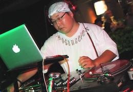 DJ たかにー(260×180)