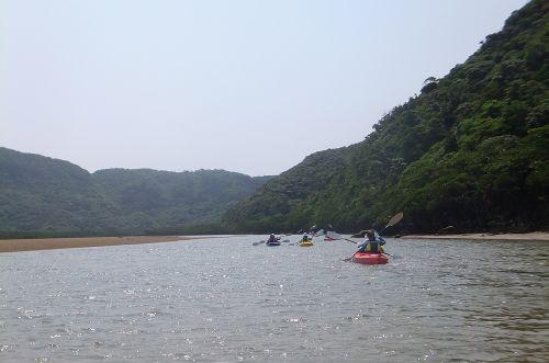 最初は広い川