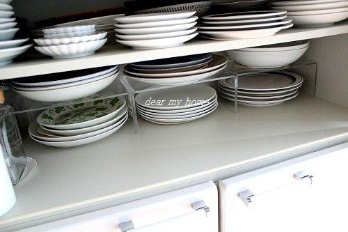 食器棚でアクリル仕切り