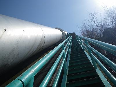 導水管を登り