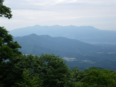 子持山と赤城山