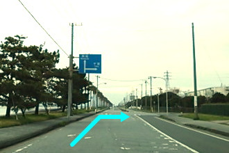 ③ 道路標識を千葉方向で右折
