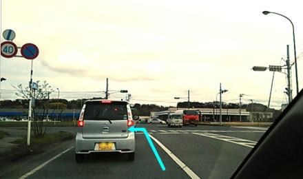 信号のある交差点を左折 千葉方向へ