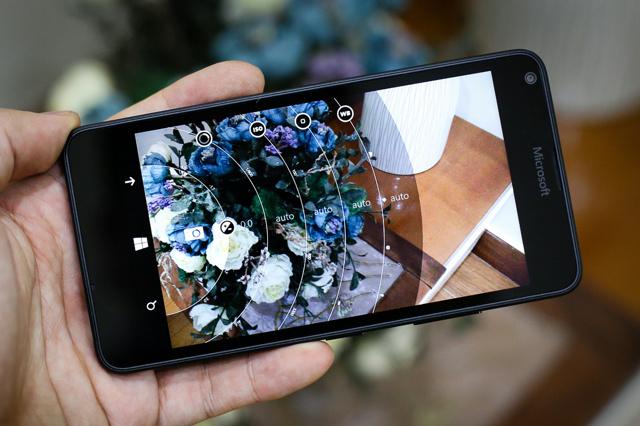 Lumia_640_02.jpg