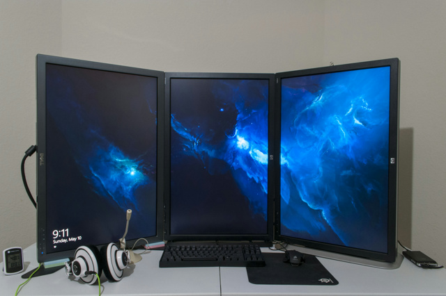 PCdesk_MultiDisplay48_02.jpg