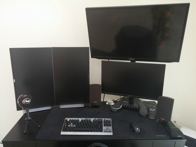 PCdesk_MultiDisplay48_86.jpg