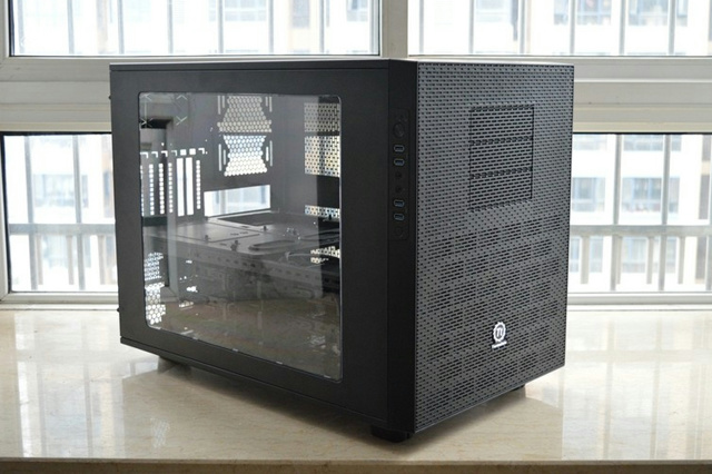 Thermaltake_Core_X9_01.jpg